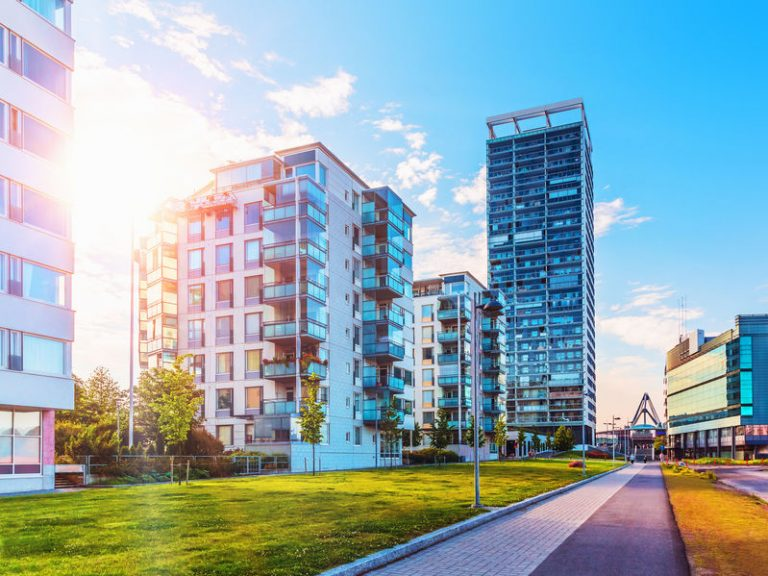 Cene stanovanjskih nepremičnin lani višje za 18 odstotkov