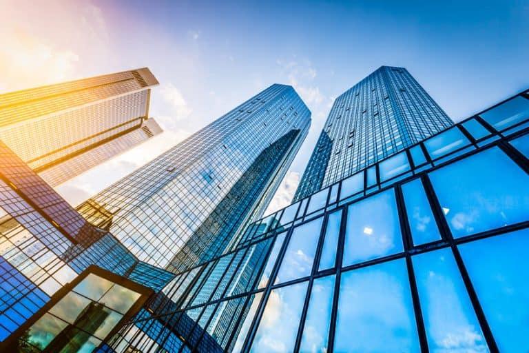 V letu 2018 veliko sklenjenih poslov s poslovnimi nepremičninami