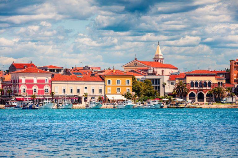 Občina Izola na dražbi nepremičnin iztržila 677.000 evrov
